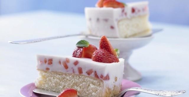 торт с клубникой1
