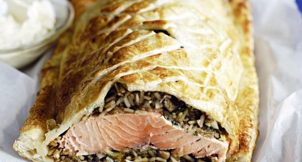 Кулебяка по-французски с лососем