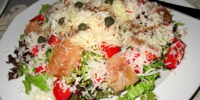 салат с морской рыбой
