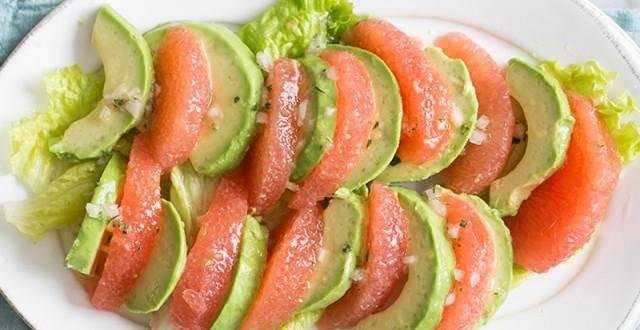 салат с авокадо и грейпфруктом